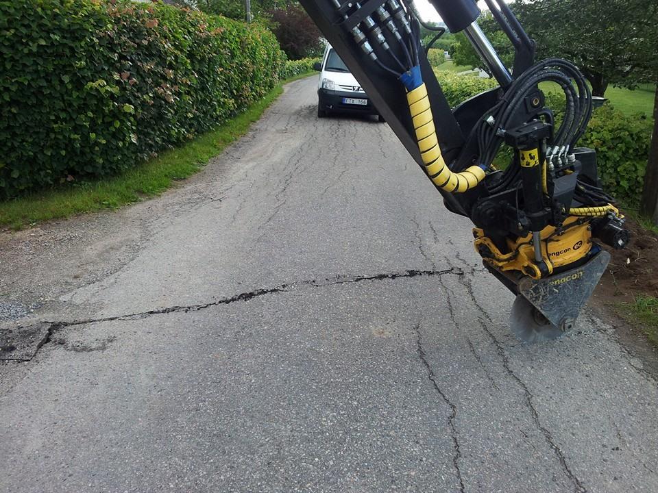 Engångstillfälle vi gräver i asfalten, annars blir det fräsning på 8cm.
